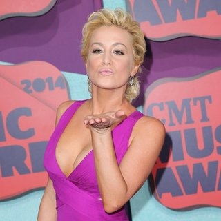 Kellie Pickler in 2014 CMT Music Awards - Arrivals - kellie-pickler-2014-cmt-music-awards-04