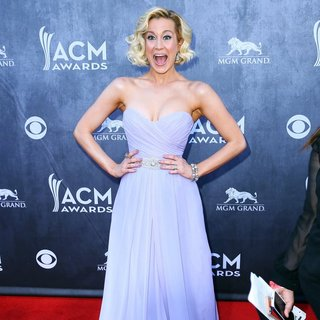 Kellie Pickler in 49th Annual Academy of Country Music Awards - Arrivals - kellie-pickler-49th-annual-academy-of-country-music-awards-02