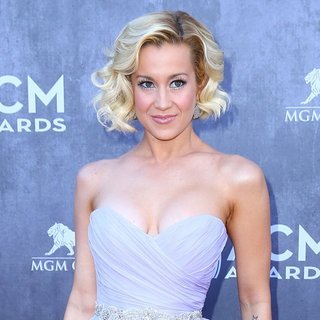 Kellie Pickler in 49th Annual Academy of Country Music Awards - Arrivals - kellie-pickler-49th-annual-academy-of-country-music-awards-05