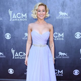 Kellie Pickler in 49th Annual Academy of Country Music Awards - Arrivals - kellie-pickler-49th-annual-academy-of-country-music-awards-08