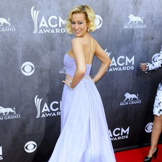 Kellie Pickler in 49th Annual Academy of Country Music Awards - Arrivals - kellie-pickler-49th-annual-academy-of-country-music-awards-11