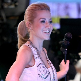 Kellie Pickler in Celebrities Appear on Good Morning America