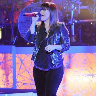 Kelly Clarkson - Kelly Clarkson Performs on Her Stronger Tour