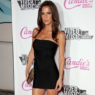 Kelly Monaco in Candie's Host The 2011 MTV VMA After Party - Arrivals - kelly-monaco-2011-mtv-vma-after-party-01