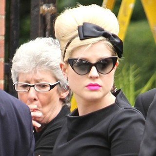 Kelly Osbourne - The Cremation of Amy Winehouse