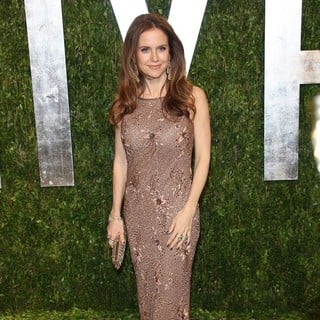 Kelly Preston in 2013 Vanity Fair Oscar Party - Arrivals - kelly-preston-2013-vanity-fair-oscar-party-01