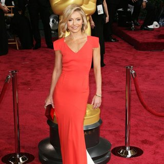Kelly Ripa in The 86th Annual Oscars - Red Carpet Arrivals