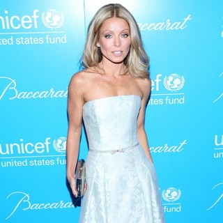 Kelly Ripa in 8th Annual UNICEF Snowflake Ball