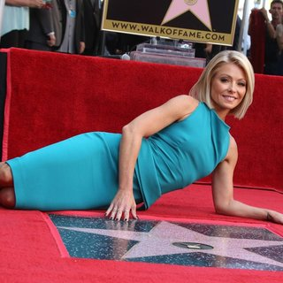 Kelly Ripa in Kelly Ripa Honored with Star on The Hollywood Walk of Fame