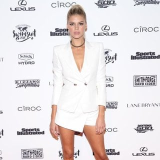 Kelly Rohrbach in Sports Illustrated Swimsuit 2016 - Red Carpet Arrivals