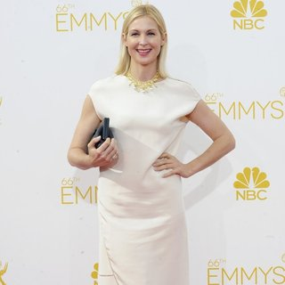 Kelly Rutherford in 66th Primetime Emmy Awards - Arrivals - kelly-rutherford-66th-primetime-emmy-awards-02