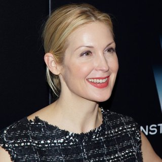 Kelly Rutherford in New York Premiere of Big Eyes - Red Carpet Arrivals - kelly-rutherford-premiere-big-eyes-01