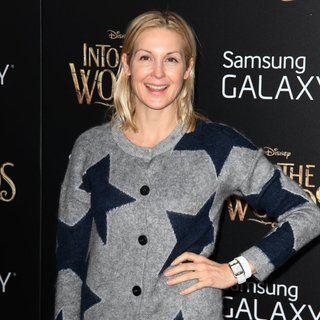 Kelly Rutherford in The World Premiere of The Film Musical Into the Woods - Arrivals - kelly-rutherford-premiere-into-the-woods-01