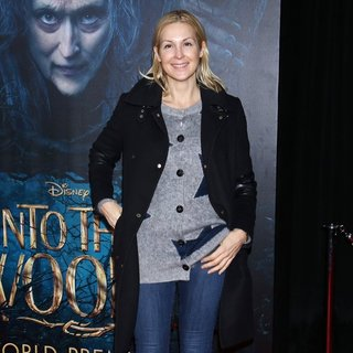 Kelly Rutherford in The World Premiere of The Film Musical Into the Woods - Arrivals - kelly-rutherford-premiere-into-the-woods-02