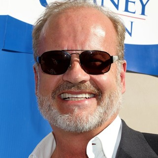 Kelsey Grammer in Celebrities Stump for Republican Presidential Candidate Mitt Romney - kelsey-grammer-celebrities-stump-01