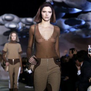 Kendall Jenner in Mercedes-Benz New York Fashion Week Spring-Summer 2014 - Marc Jacobs - Runway
