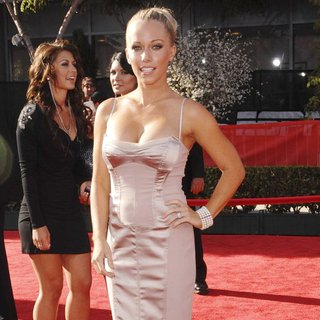 Kendra Wilkinson in The 2011 ESPY Awards