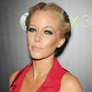 Kendra Wilkinson in IGN and Capcom's Party Celebrating The Launch of Resident Evil 6 - Arrivals