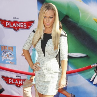 Kendra Wilkinson in Los Angeles Premiere of Disney's Planes
