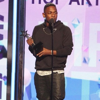 Kendrick Lamar in The 2013 BET Awards - Inside