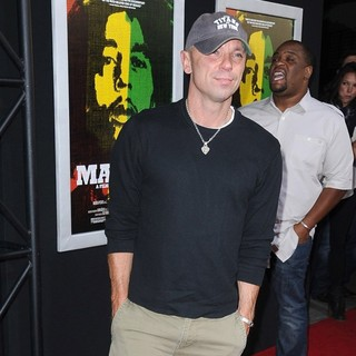 Kenny Chesney in Los Angeles Premiere of Magnolia Picture's Marley - Arrivals