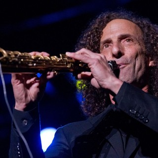 Kenny G in Kenny G Performing Live at Pavilhao Atlantico