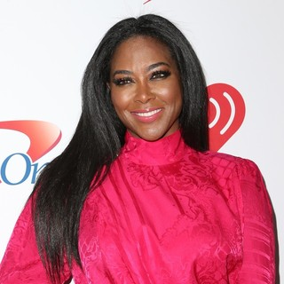 Kenya Moore in KIIS FM's iHeartRadio Jingle Ball 2015 - Arrivals