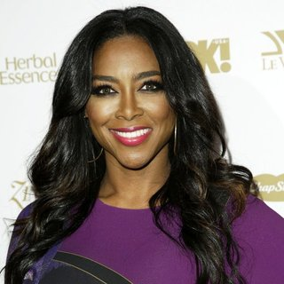 Kenya Moore in OK! Magazine's Pre-Grammy Event