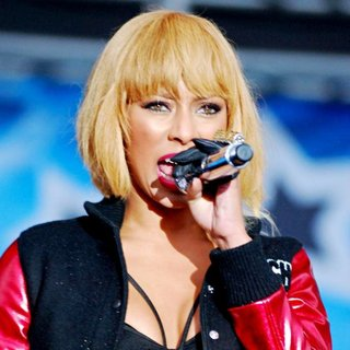 Keri Hilson in B96 Pepsi SummerBash 2011