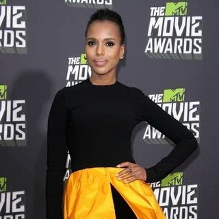 Kerry Washington in 2013 MTV Movie Awards - Arrivals - kerry-washington-2013-mtv-movie-awards-01