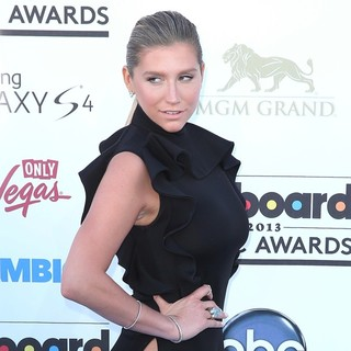 Ke$ha in 2013 Billboard Music Awards - Arrivals