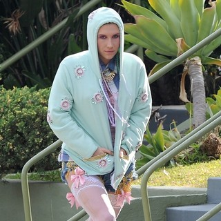 Ke$ha Seen on The Set of Music Video Crazy Kids