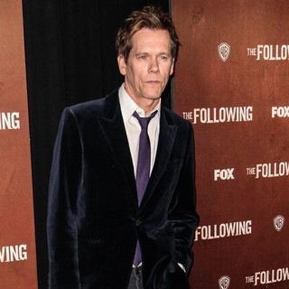 Kevin Bacon in The New York Premiere of The Following - Arrivals - kevin-bacon-premiere-the-following-04