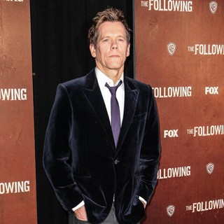 Kevin Bacon in The New York Premiere of The Following - Arrivals - kevin-bacon-premiere-the-following-05