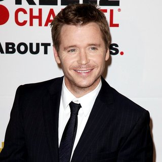 Kevin Connolly in The 2011 Critics Choice Television Awards Luncheon - Red Carpet