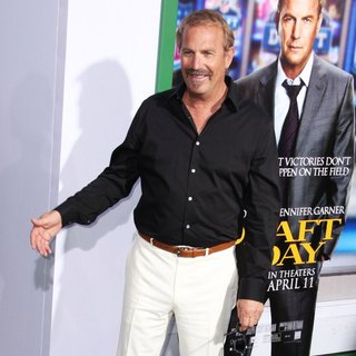 Kevin Costner in Premiere of Summit Entertainment's Draft Day