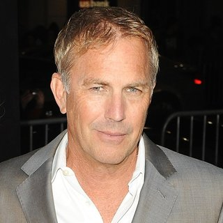 Kevin Costner in Los Angeles Premiere of Jack Ryan: Shadow Recruit - Red Carpet Arrivals