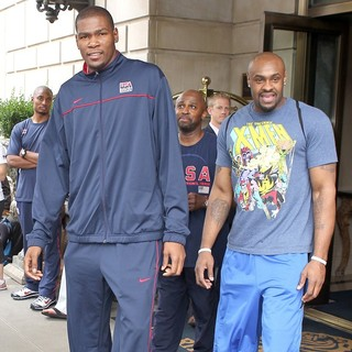 Kevin Durant in Kevin Durant Arriving to The Ritz Carlton Hotel
