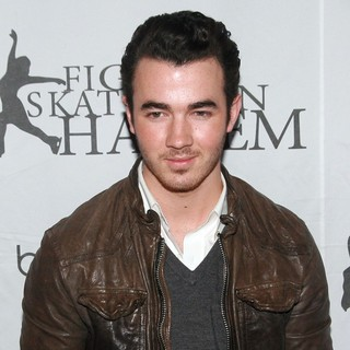 Kevin Jonas, Jonas Brothers in 2012 Skating with The Stars Gala