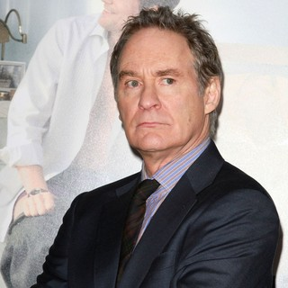 Kevin Kline in Los Angeles Premiere of No Strings Attached - kevin-kline-premiere-no-strings-attached-03