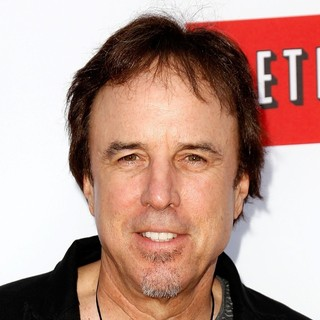 Kevin Nealon in Netflix's Los Angeles Premiere of Season 4 of Arrested Development - kevin-nealon-premiere-arrested-development-season-4-01