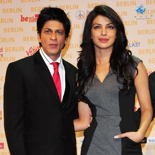 Priyanka Chopra in A Press Conference for The Movie Don 2 - khan-chopra-press-conference-don-2-01