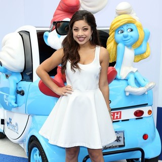 Kiana Brown in The Los Angeles Premiere of The Smurfs 2 - Arrivals