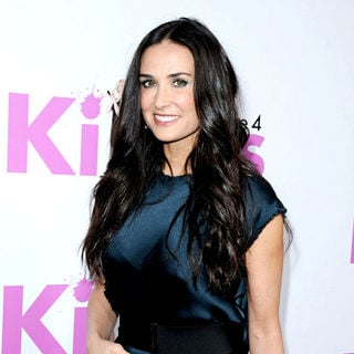 Demi Moore in Los Angeles Premiere of 'Killers' - Arrivals
