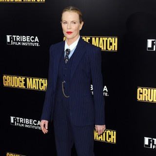 Kim Basinger in Grudge Match New York Screening - Red Carpet Arrivals