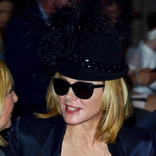Kim Cattrall in London Fashion Week Spring-Summer 2013 - Philip Treacy - Front Row