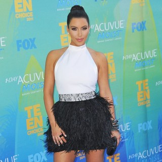 Kim Kardashian in 2011 Teen Choice Awards