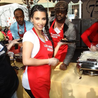 Kim Kardashian, Blair Underwood in 75th Anniversary of The Los Angeles Mission Serving Thanksgiving Dinner to The Homeless
