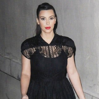 Kim Kardashian in Kim Kardashian Arriving at Kimmel Live TV Show