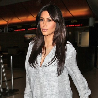 Kim Kardashian - Kim Kardashian Seen Arriving at LAX Airport for A Flight